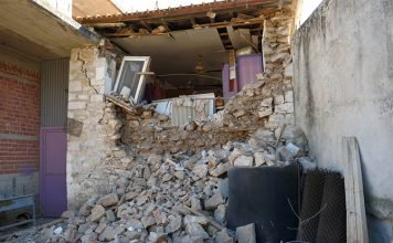 σεισμός-στην-ελασσόνα-μη-κατοικήσιμα-1