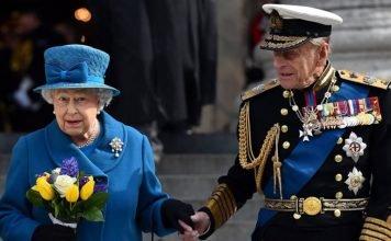 βασίλισσα-ελισάβετ-δεν-θα-παραιτηθεί