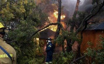 φωτια-αχαϊα-κάηκαν-σπίτια-και-εκκενώθ